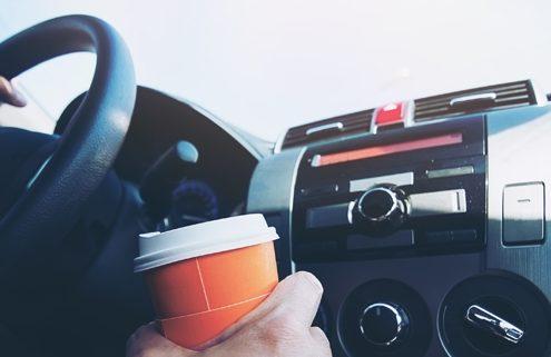 Balesetveszélyes szokások a volánnál
